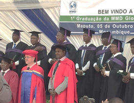 Mozambique diploma-uitreiking